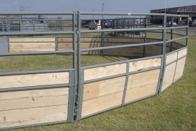 FitzGerald Corrals | Equine Equipment | Delux Roundpen with Wood